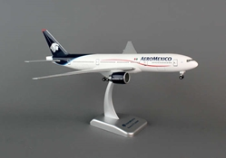 Aeromexico 777-200ER (1:200) With Gear, Hogan Wings Collectible Airliner Models Item Number HG4760G