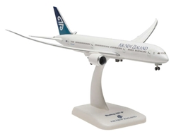 Air New Zealand 787-9 (1:400) with Gear & Inflight Wings, Hogan Wings Collectible Airliner Models Item Number HG5125