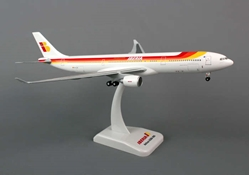 Iberia A330-300 (1:200) With Gear, Registration: EC-LUK, Hogan Wings Collectible Airliner Models Item Number HG5668G