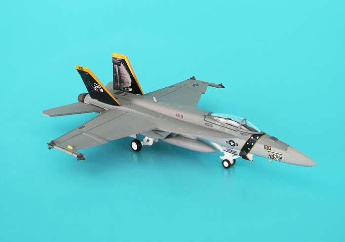 F/A-18E USN VX-9 Evaluators Naws China Lake HI-VIS (1:200), Hogan Wings Collectible Airliner Models Item Number HG6238
