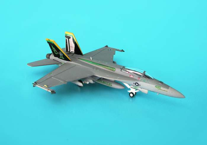 F/A-18E USN VFA-105 Gunslingers HI-VIS (1:200), Hogan Wings Collectible Airliner Models Item Number HG6276