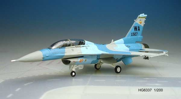 F-16D USAF Blk 52P Nellis Afb (1:200) Gomers, Hogan Wings Collectible Airliner Models Item Number HG6337
