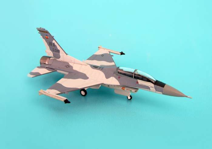 F-16D USAF Blk 32C Nellis Afb (1:200) Gomers WA041, Hogan Wings Collectible Airliner Models Item Number HG6344