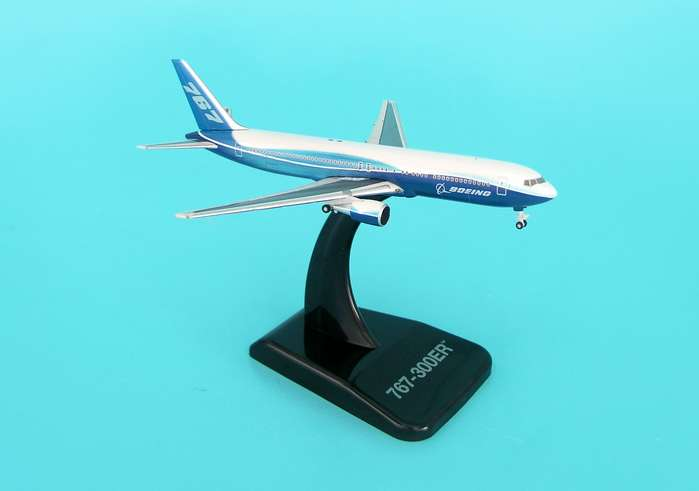 Boeing 767-300ER (1:500), Hogan Wings Collectible Airliner Models Item Number HG8331