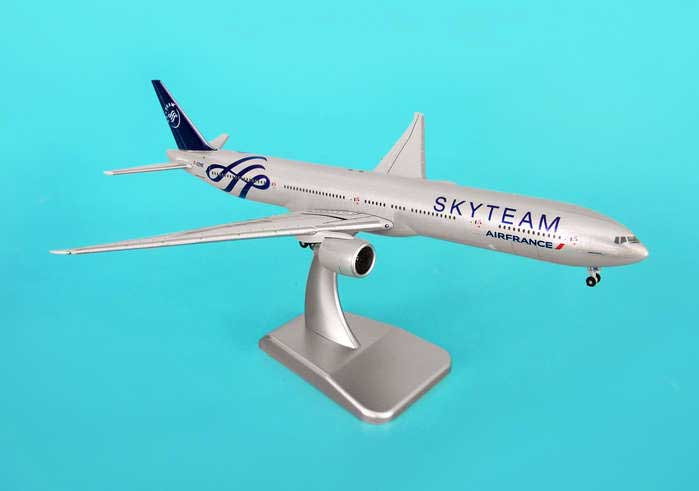 "Air France 777-3OOER ""Skyteam With Stand"" (1:400), Hogan Wings Collectible Airliner Models Item Number HG9048"