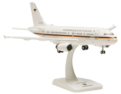 Luftwaffe A319 (1:200) with Gear 15-02, Hogan Wings Collectible Airliner Models Item Number HGLW02