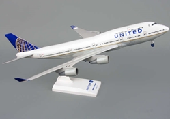 United 747-400 W/Gear Post Co Merger (1:200), SkyMarks Airliners Models Item Number SKR614