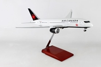 Air Canada 787-8 (1:100) by Skymarks Supreme Desktop Aircraft Models item number: SKR8905