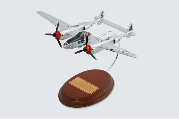 P-38J Lightning (1:50), Executive Series Display Models Item Number AM07004