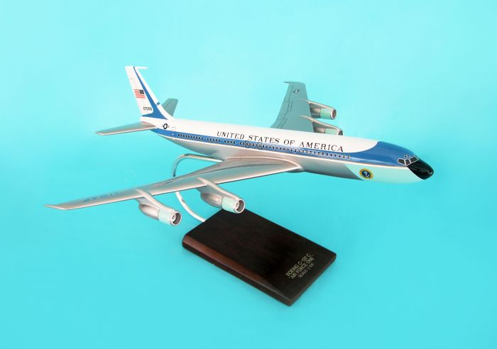 VC-137C Air Force One (1:100) 27000, Executive Series Display Models, Item Number B3110A