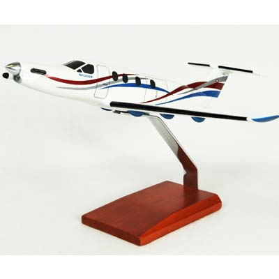 "Pilatus PC-12 ""Splash"" (1:40) by Executive Series Display Models item number: KPPC12STR"