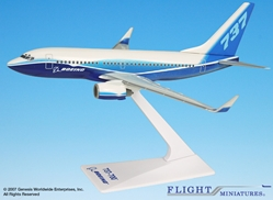 "Boeing 737-700 ""Dreamliner"" w/ Winglets (1:200), Flight Miniatures Snap-Fit Airliners, Item Number BO-73770H-020"