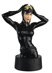 Catwoman - DC Universe Collectors Bust  - Includes magazine packed with information about the character  - Approximately 5 inches tall