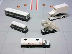 Airport Service Vehicles (1:200), GeminiJets 200 Diecast Airliners, Item Number G2APS450