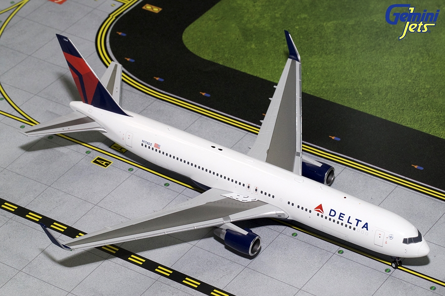 Delta Airlines B767-300W N174DZ (1:200), GeminiJets 200 Diecast Airliners Item Number G2DAL683