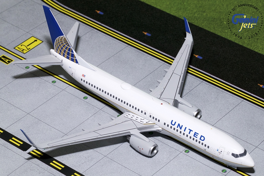 United B737-800 Sharklets N14237 (1:200) - Preorder item, order now for future delivery