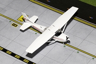"Cessna 172 ""Sportys Flight School"" N32GV  (1:72), GeminiAces 72 Diecast Fighters Item Number GGCES004"