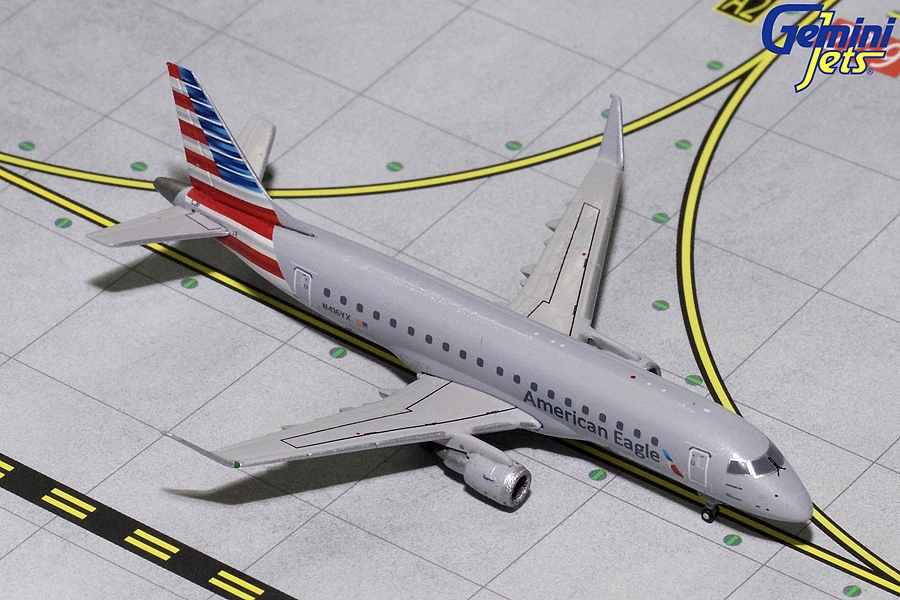 American Eagle ERJ-175 N416YX (1:400) - Preorder item, order now for future delivery
