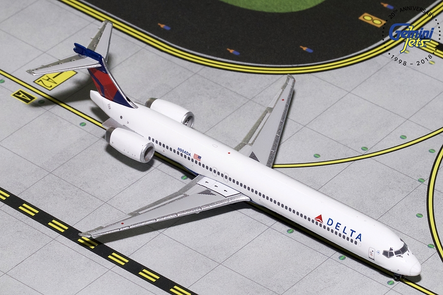 Delta MD-90 N904DA (1:400) - Preorder item, order now for future delivery