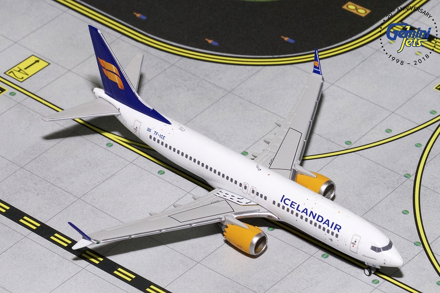Icelandair B737 MAX-8 New Livery TF-ICE (1:400) - Preorder item, order now for future delivery
