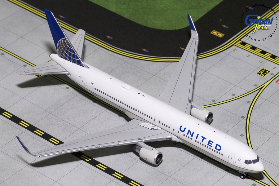 United B767-300ER Winglets N676UA (1:400) - Preorder item, order now for future delivery