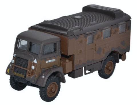 Bedford QLR Signals Truck, 1st Infantry Division, British Army, 1942 (1:76 OO Scale) by Oxford Diecast Military Vehicles