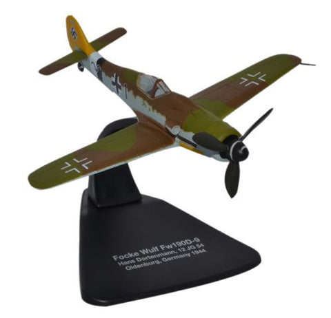 Focke-Wulf Fw 190D-9, 38-Victory ace Hans Dortenmann, 12./JG 54, Oldenberg, Germany, 1944, Oxford Diecast 1:72 Scale Models, Item Number AC057