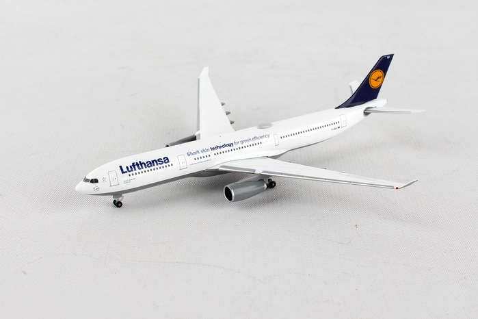 "Lufthansa A330-300 D-AIKB (1:500) ""Shark Skin Technology for Green Efficiency"", Herpa 1:500 Scale Diecast Airliners Item Number HE514965-003"