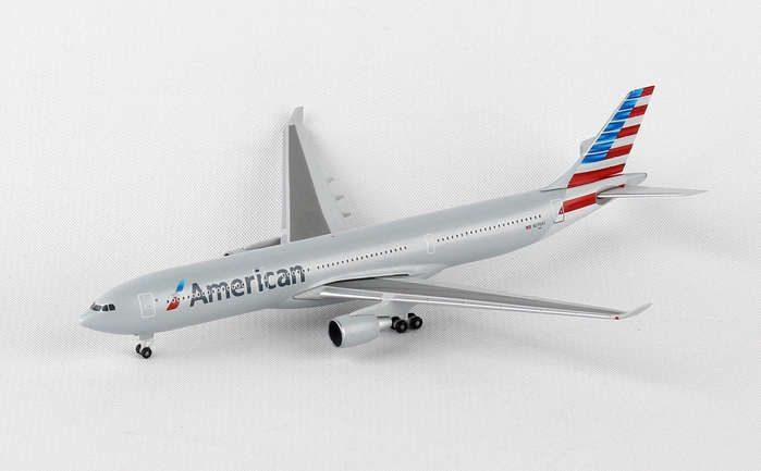 American A330-300 N270AY (1:500), Herpa 1:500 Scale Diecast Airliners Item Number HE527392