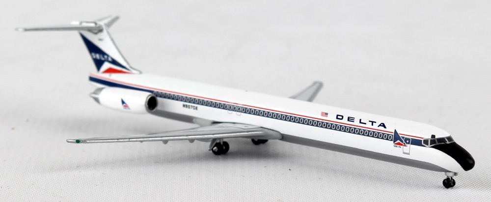 Delta MD-88 N907DE (1:500), Herpa 1:500 Scale Diecast Airliners Item Number HE527880