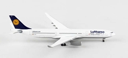 "Lufthansa A330-300 D-AIKH (1:500) ""Eintracht Frankfurt"", Herpa 1:500 Scale Diecast Airliners Item Number HE527941"