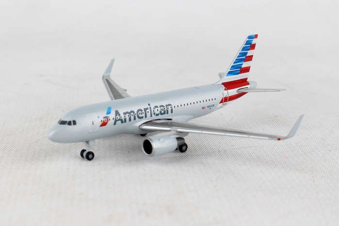 American Airlines Airbus A319 N8001N (1:500), Herpa 1:500 Scale Diecast Airliners Item Number HE530835