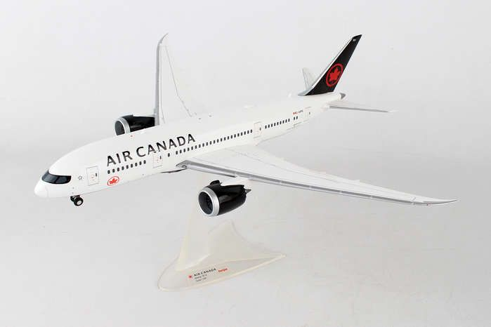 Air Canada 787-8 (1:200) New 2017 Livery C-GHPQ, Herpa 1:200 Scale Diecast Airliners Item Number HE558600